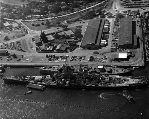 USS_Wisconsin_and_USS_Oklahoma-11-11-1944