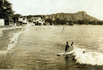 Waikiki-Queen's_Pier-Private_Beach_Houses