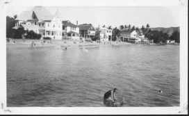 Waikiki_Beach_Houses_(UH_Manoa)-1924