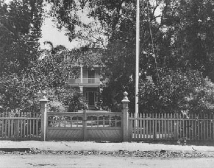 Washington_Place,_Honolulu,_Hawaii,_1899