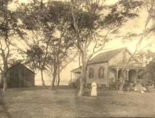 Wright home in the 1890s before it became Wright Villa in 1899 and later renamed Waikiki Inn-HT&N