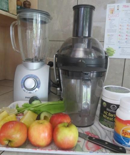 blender, juicer, fruits and vegetables