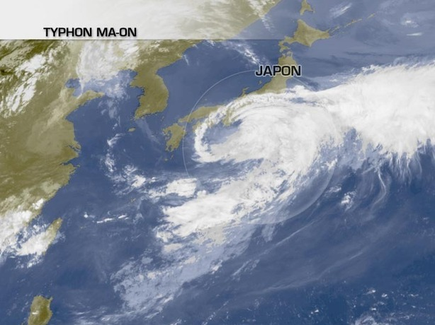 Le Japon touché par le typhon Ma-on