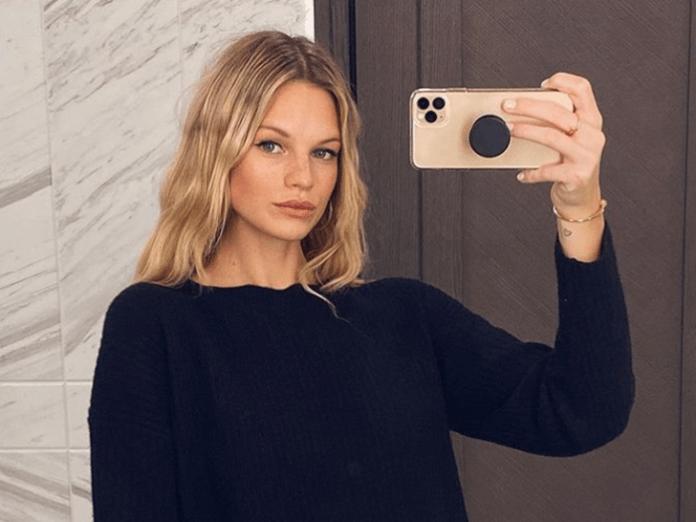 Selfies stars with new iPhones
