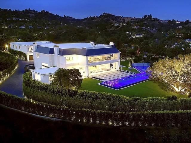 Jennifer Lopez and Ben Affleck House Hunting at $85 Million Estate