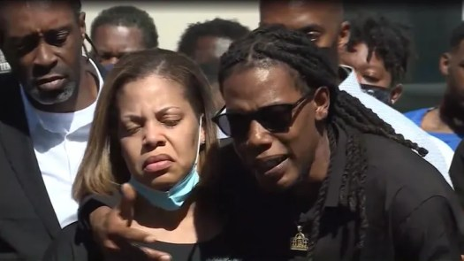 Andrew Brown Jr.'s Family Sees 'Snippet' of Body Cam Video from Fatal Shooting 3