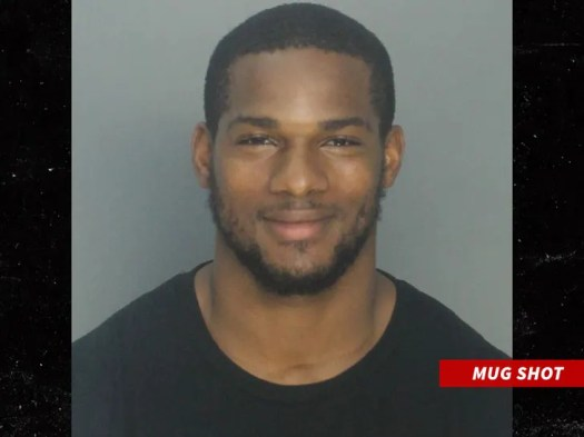 NFL's Mark Walton Insane Pizza Hut Arrest Caught On Police Video, 'I Can Pee On Myself?' 2