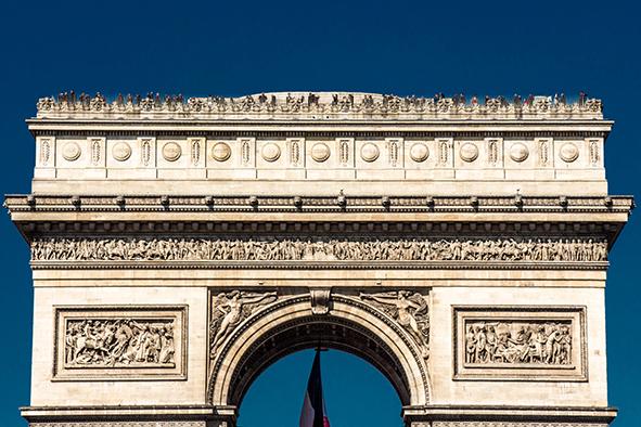 O Arco do Triunfo é um dos pontos pelos quais o ônibus panorâmico passa. © Marina Aurnheimer / Imagina na Viagem