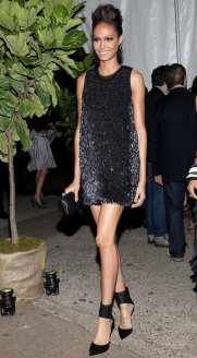 http://www.fashionologie.com/Joan-Smalls-Red-Carpet-Pictures-23930062#photo-23930092