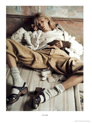 anja-rubik-cozy-knitwear04