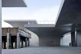 54336d69c07a80cbe80000ec_long-museum-west-bund-atelier-deshaus_main_entrance
