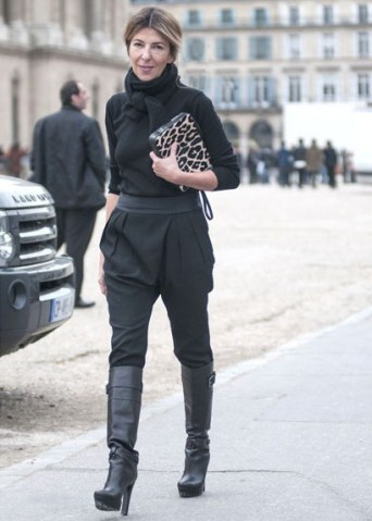 http://www.marieclaire.com/fashion/trends/paris-street-style-fall-2013?click=list2#slide-19