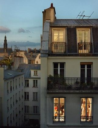 item2.rendition.slideshowVertical.paris-views-gail-albert-halaban-03