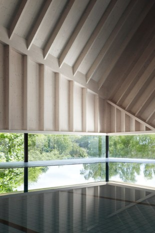Alfriston-Swimming-Pool-by-Duggan-Morris_dezeen_468_1
