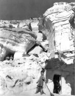 Viviendas trogloditas. La Chanca. Almería.1957. Foto: NICOLAS MULLER