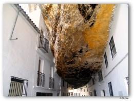 Una de las imágenes más difundidas de Setenil. FOTO: JUAN ANTONIO PATIÑO