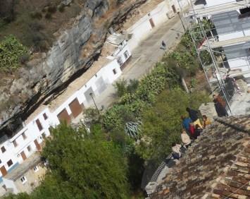 Turistas asomados al balcón de la Villa, morando las Cabrerizas. Foto: ÁNGEL MEDINA LAÍN