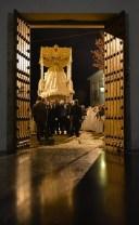 Recogida de la Virgen de los Dolores el Jueves Santo en la Iglesia de la Villa. Foto: MARÍA GUZMÁN JIMÉNEZ