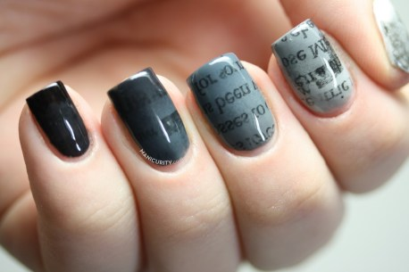 gradient-ombre-newspaper-newsprint-monochrome-nail-art-nails-1