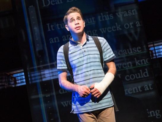Ben Platt jouait Evan Hansen à Broadway, rôle qu'il reprendra dans le film de la comédie msuicale!