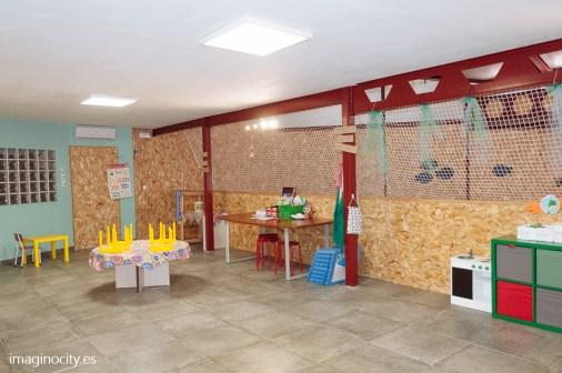 Room 3 area social / area de las artes ¬manualidades