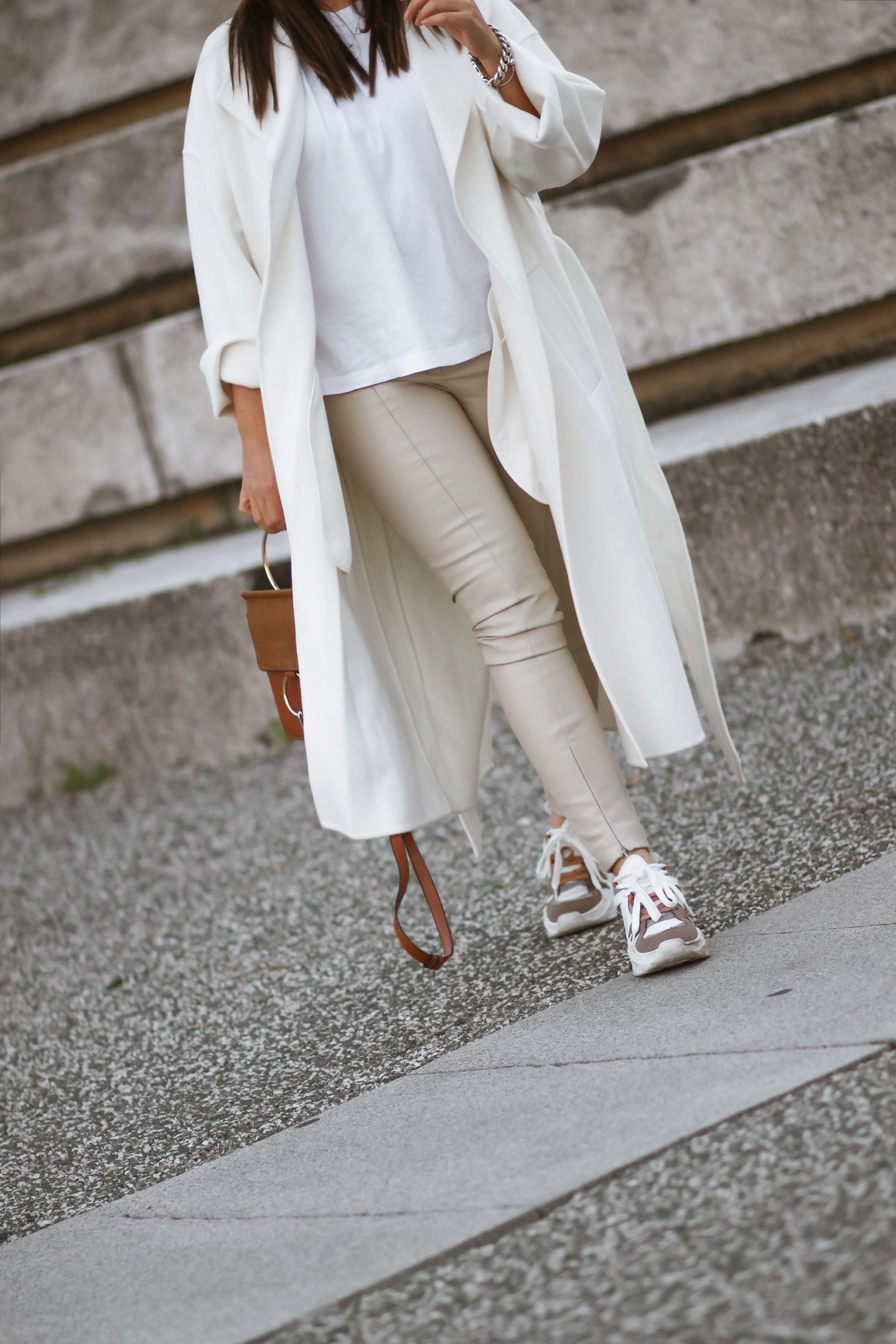 blogueuse mode, instagram, zara, manteau blanc zara, dupe maxmara, pantalon simili cuir zara, the green ananas, look pinterest, french blogger, HELLOOO 2020 ! LE MANTEAU BLANC INSPI MAXMARA