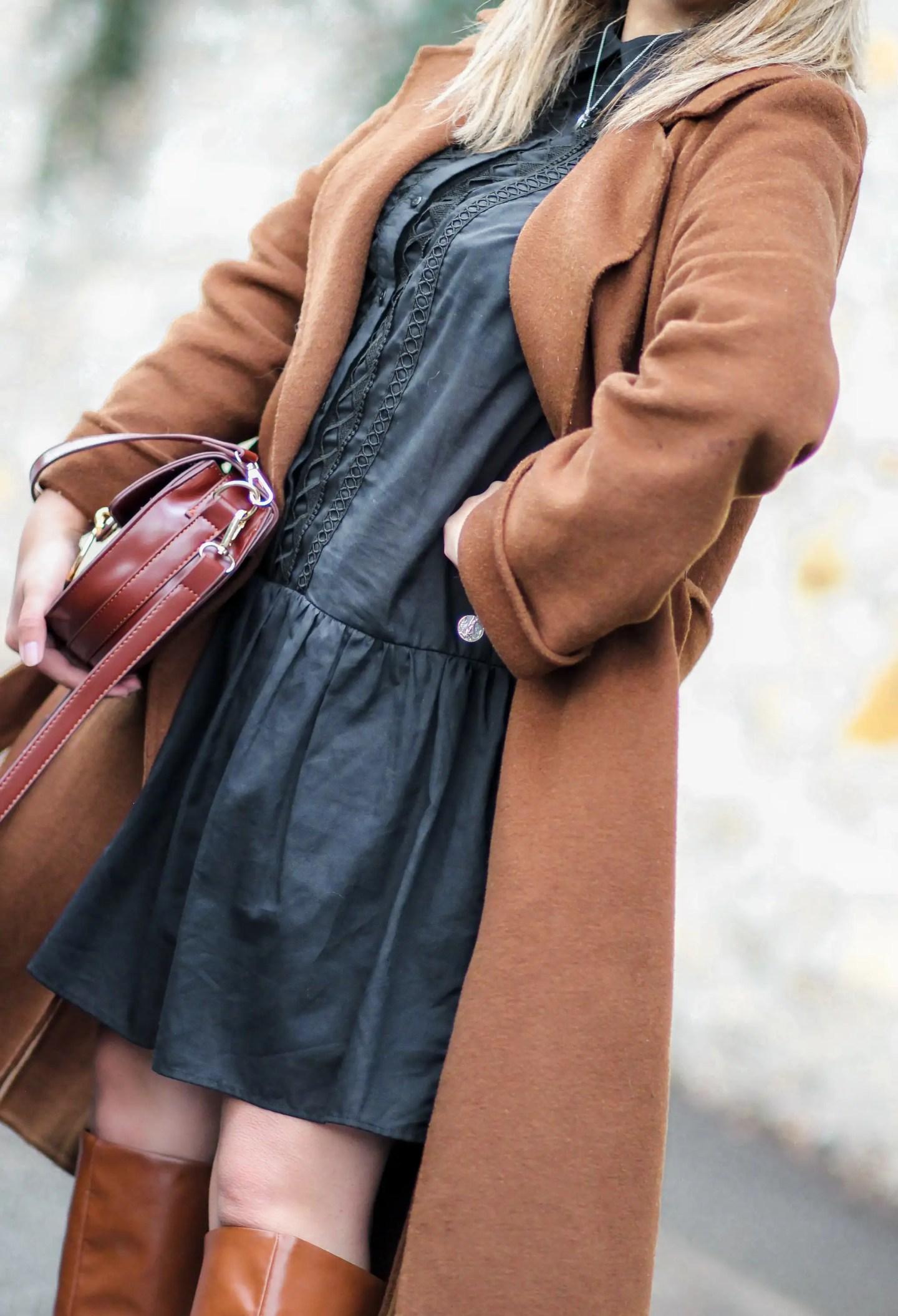 zara, manteau zara, manteau camel, the green ananas, blog mode, pinterest, tendance mode, blogueuse mode, bottes camel, hm, tess chloé, robe noire, la petite robe noire & new hair