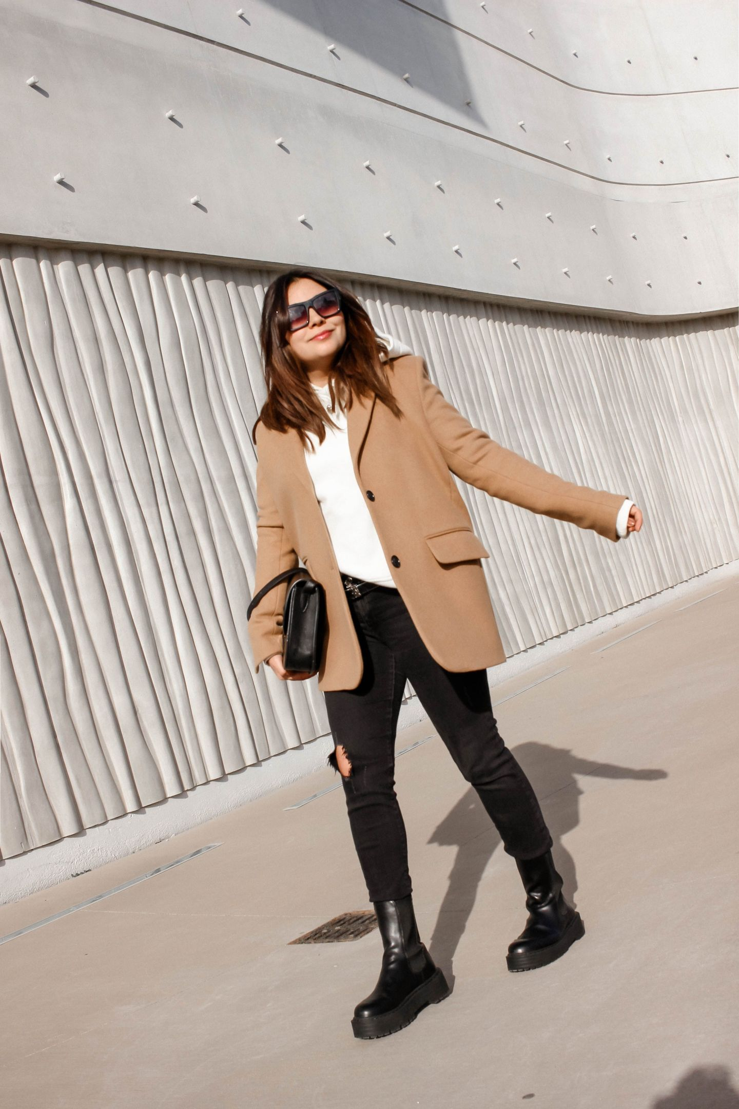 SWEAT OVERSIZE, BLAZER & BOTTINES INSPI BOTTEGA EN #NoLeather, the green ananas, blogueuse mode, french blogger, mode pinterest, hm, sweat hm, sac inspi céline, zara, lunettes zara