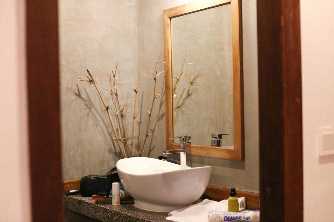 bathroom hotel phnom penh