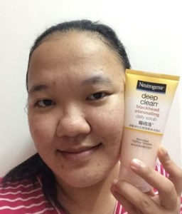 Pencuci Muka Neutrogena Deep Clean Blackhead Eliminating Daily Scrub