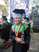Fera Trenawa , S.E. Sebagai Wisudawa Terbaik FPEB pada Wisuda Gelombang II 24 Agustus 2016