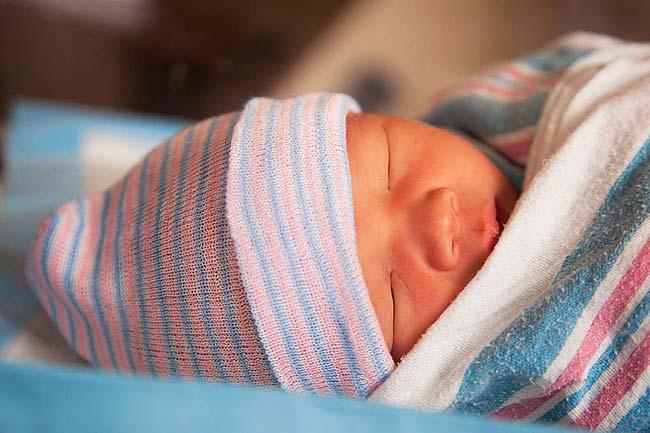 Pântecele post-copil: Cât timp ai putea părea însărcinată
