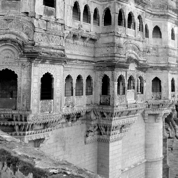 photo of cliff-built palace in India