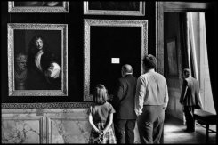 Elliott Erwitt The Palace of Versailles. Yvelines department, France. 1975. © Elliott Erwitt | Magnum Photos