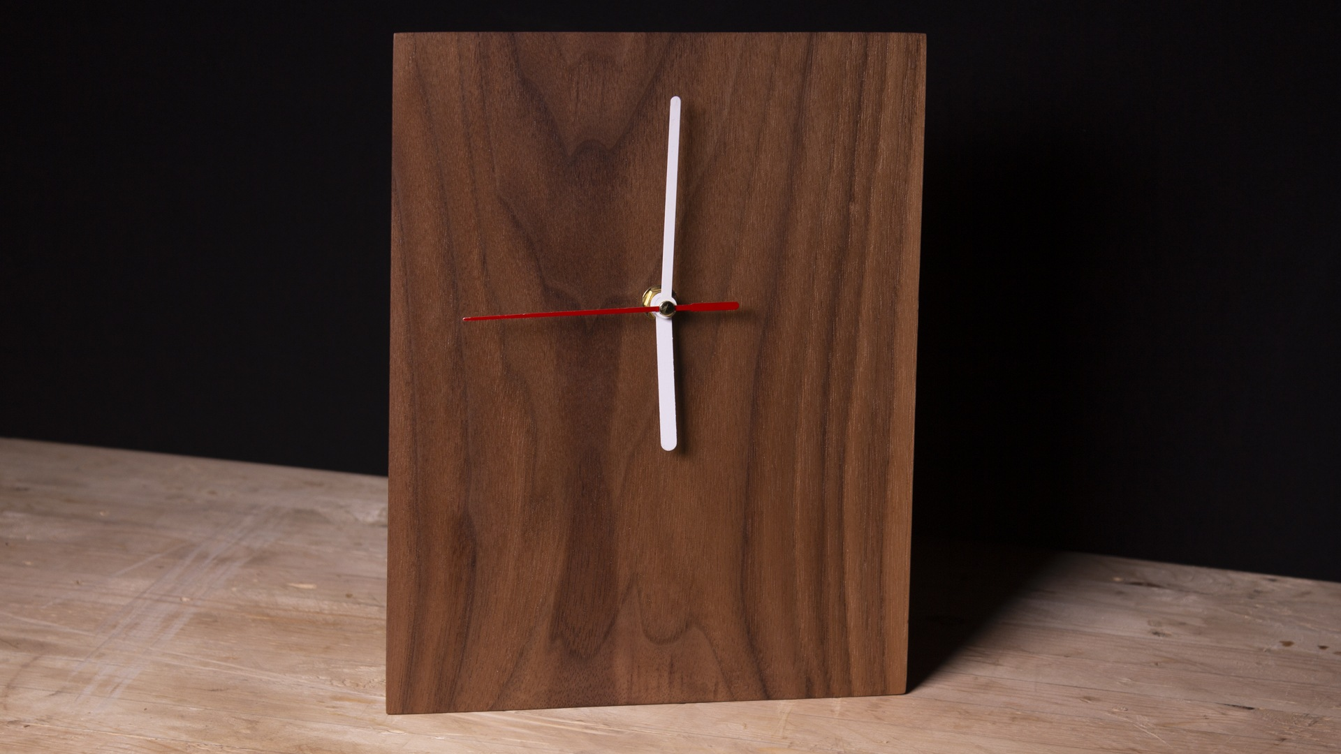 How to Make a Simple Clock from Scrap Wood
