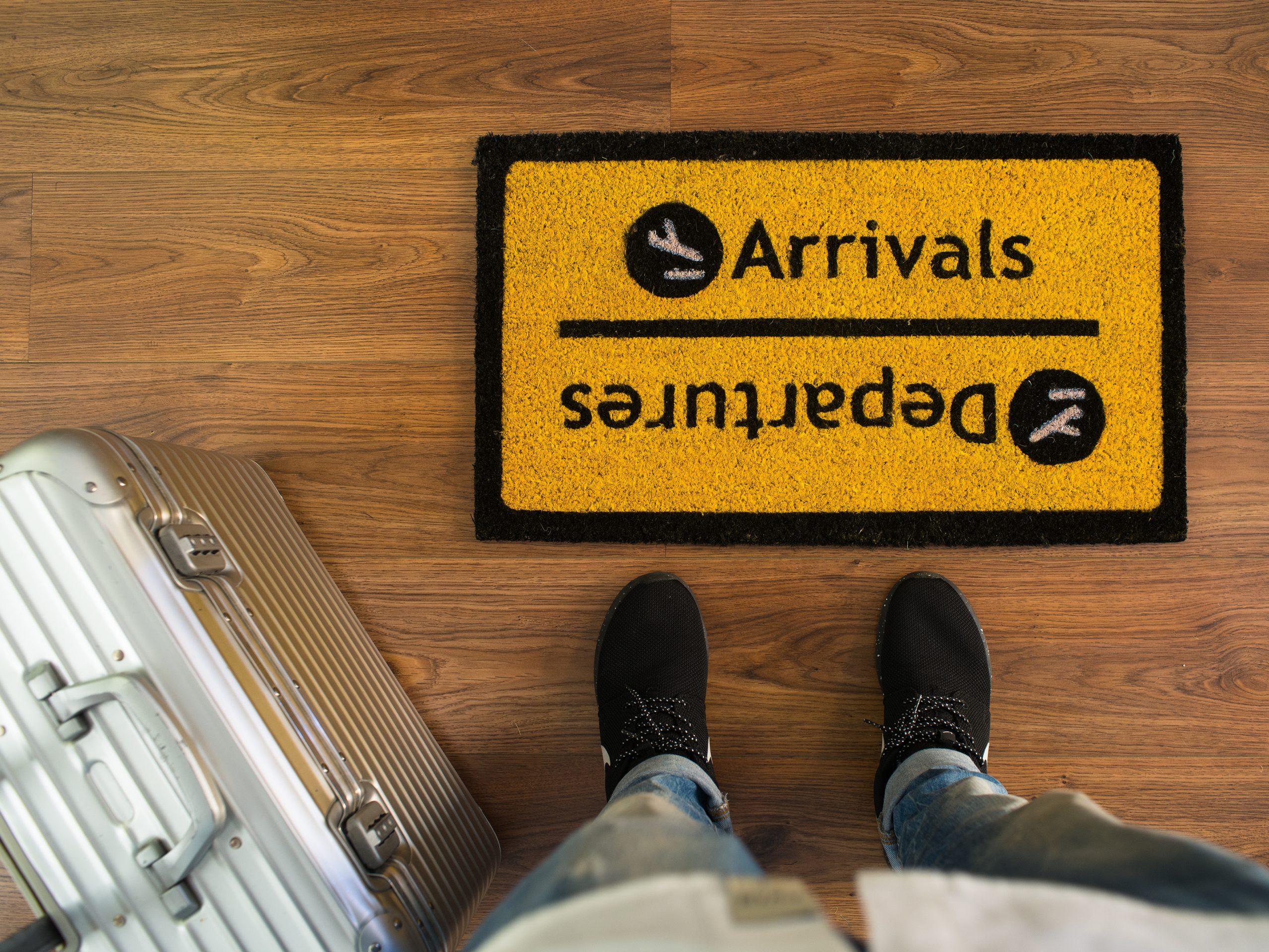 Felpudo llegadas y salidas