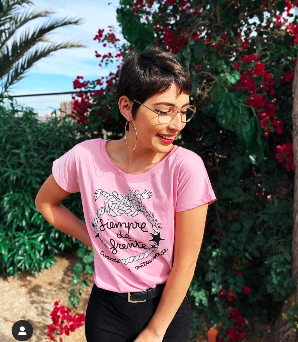 """Camiseta """" Siempre de frente cuando hay contracorriente"""" La vida es Cool"""