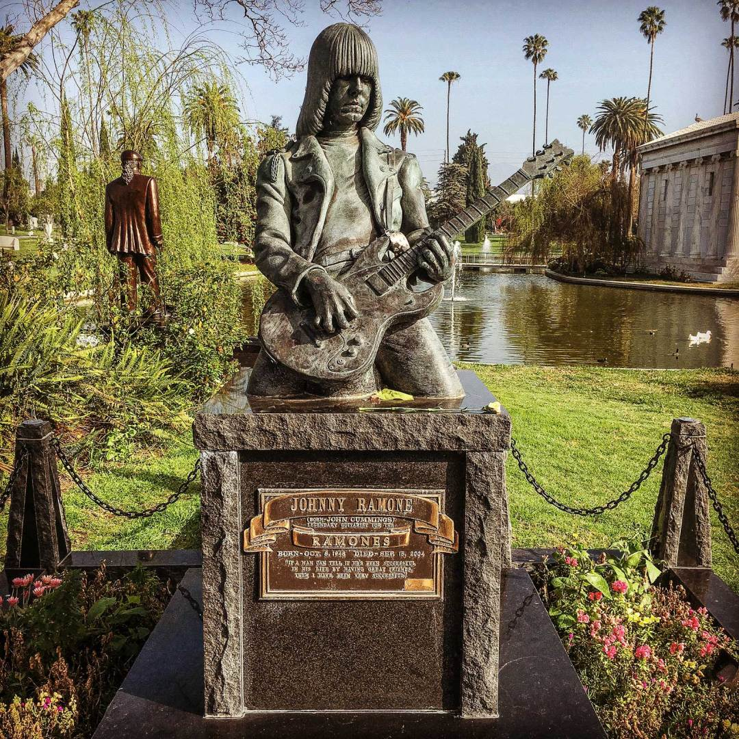 Johnny Ramone statue