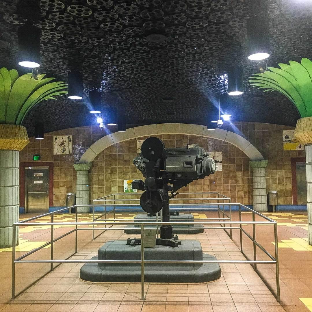 Hollywood & Vine station