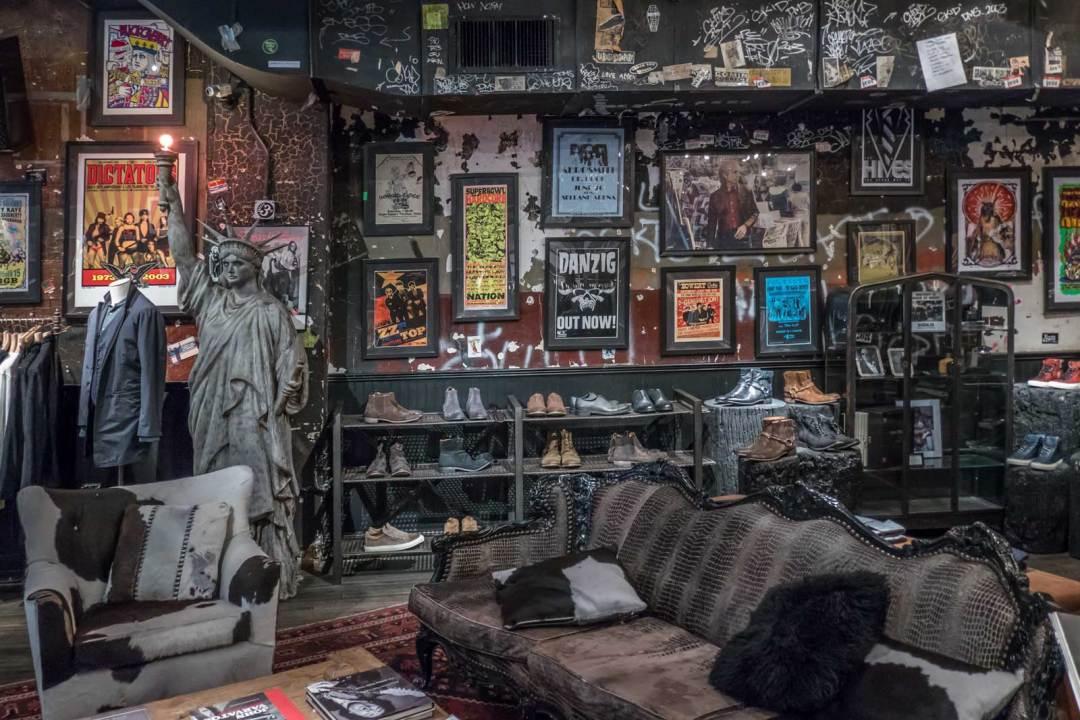 Statue-of-Liberty-at-John-Varvatos-CBGB-315-Bowery-Manhattan-NYC-1600x1067