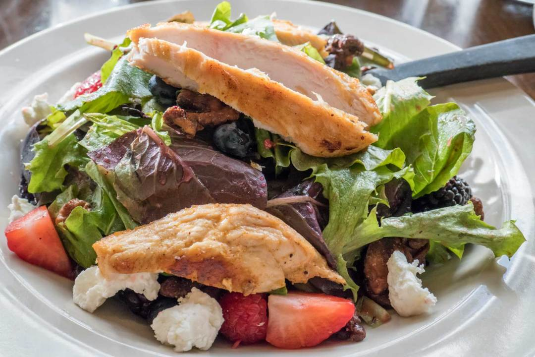 Spring-Berry-salad-at-The-Breakfast-Club-Phoenix-Arizona-1600x1067