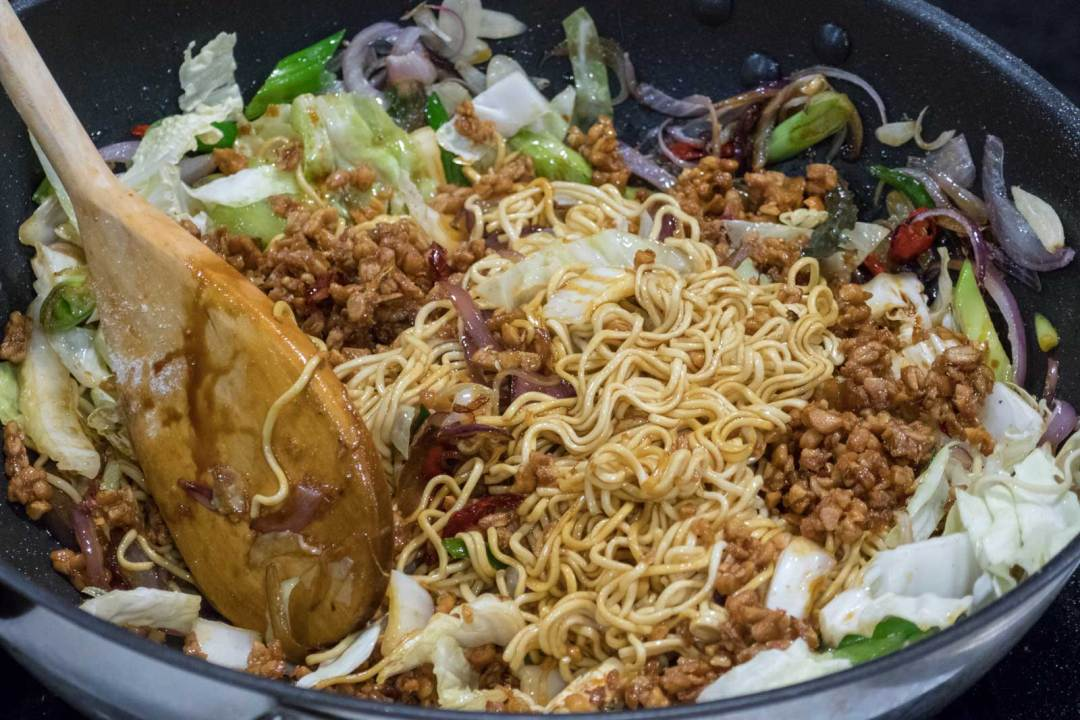 Yono's-Mee-Goreng-with-egg-noodles-DC Travel & Adventure Show-2018-Walter-E-Washington-Convemention-Center-1600x1067