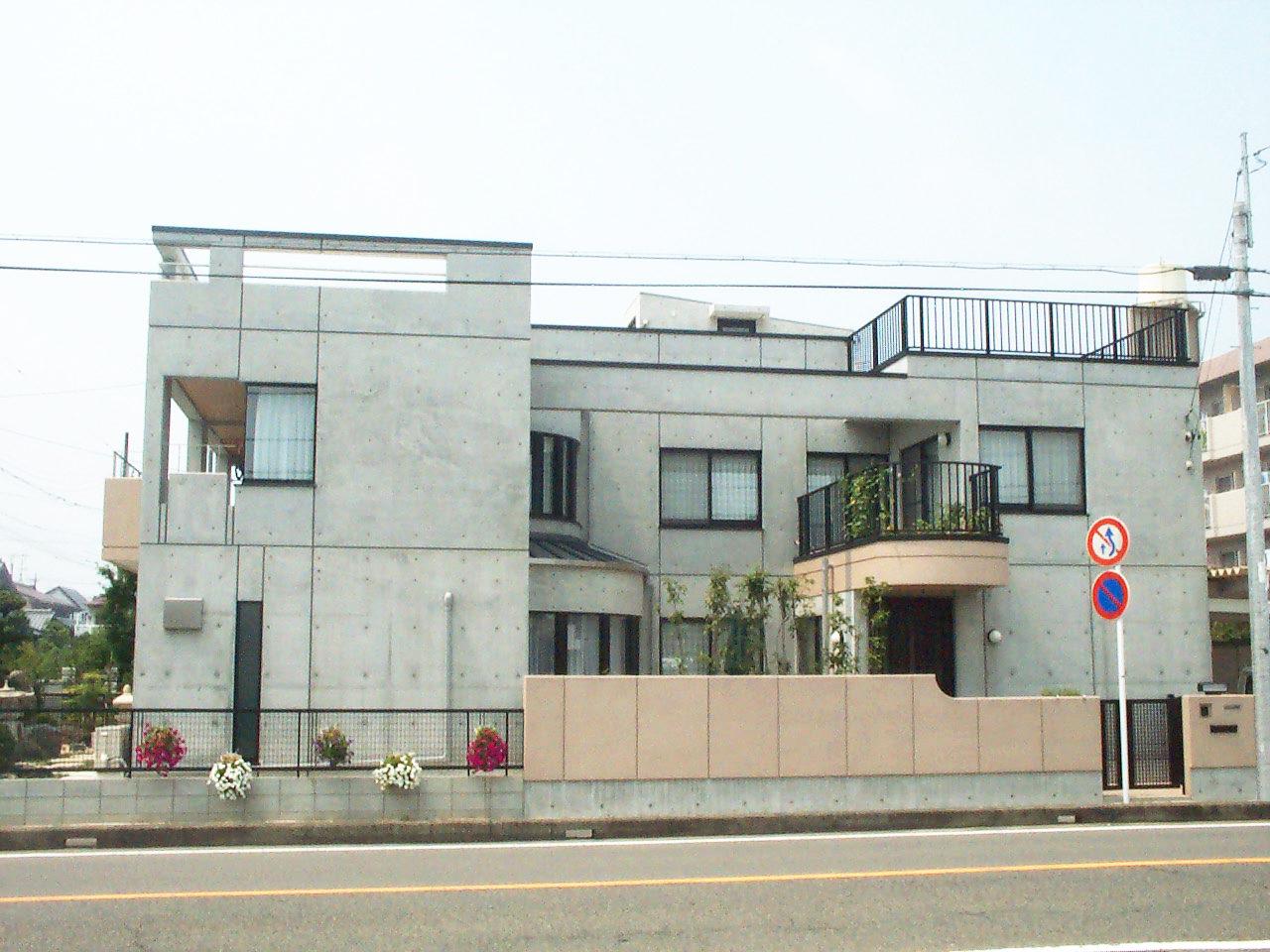 三世帯同居バリアフリー鉄筋コンクリート造注文住宅の新築設計・デザインした外観