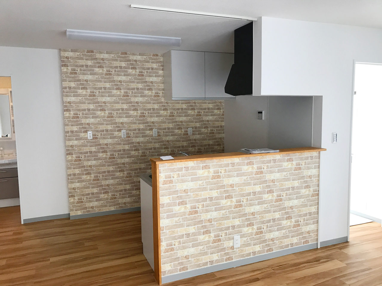 空き家を賃貸マンションへリノベーションデザイン後のシステムキッチン