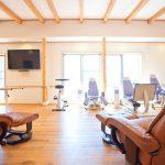 設計した温もりのあるリハビリデイサービスの食堂及び機能訓練室