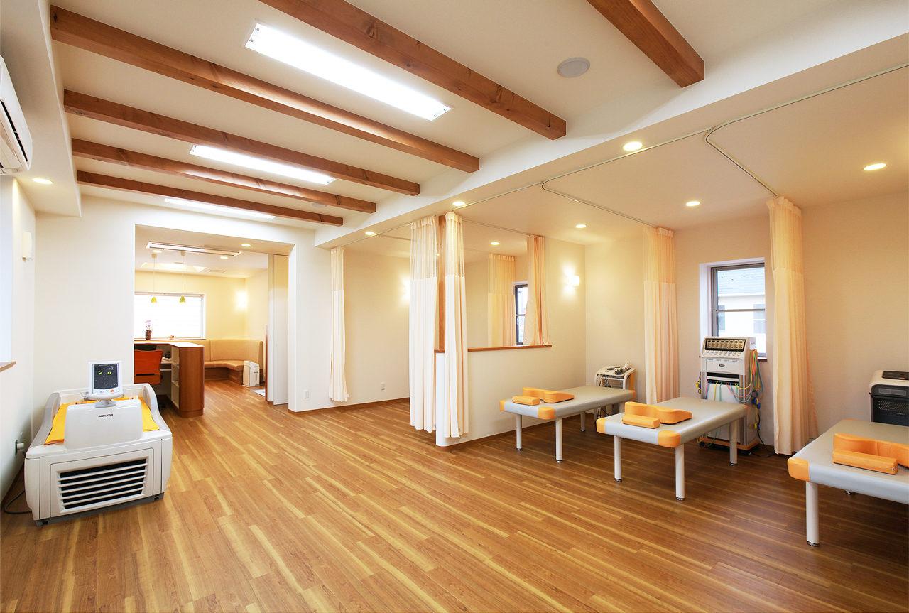 設計した接骨院併用住宅の施術室