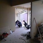 改装、増築設計、店舗デザインした接骨院の壁紙工事