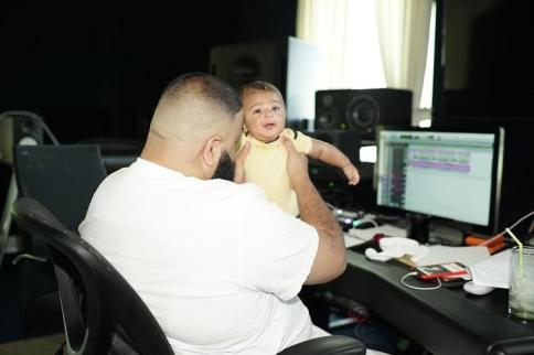 1491942412 b33a07845b20f39f3419eddf128e00d4 DJ Khaled & Asahds Best Snapchat Moments