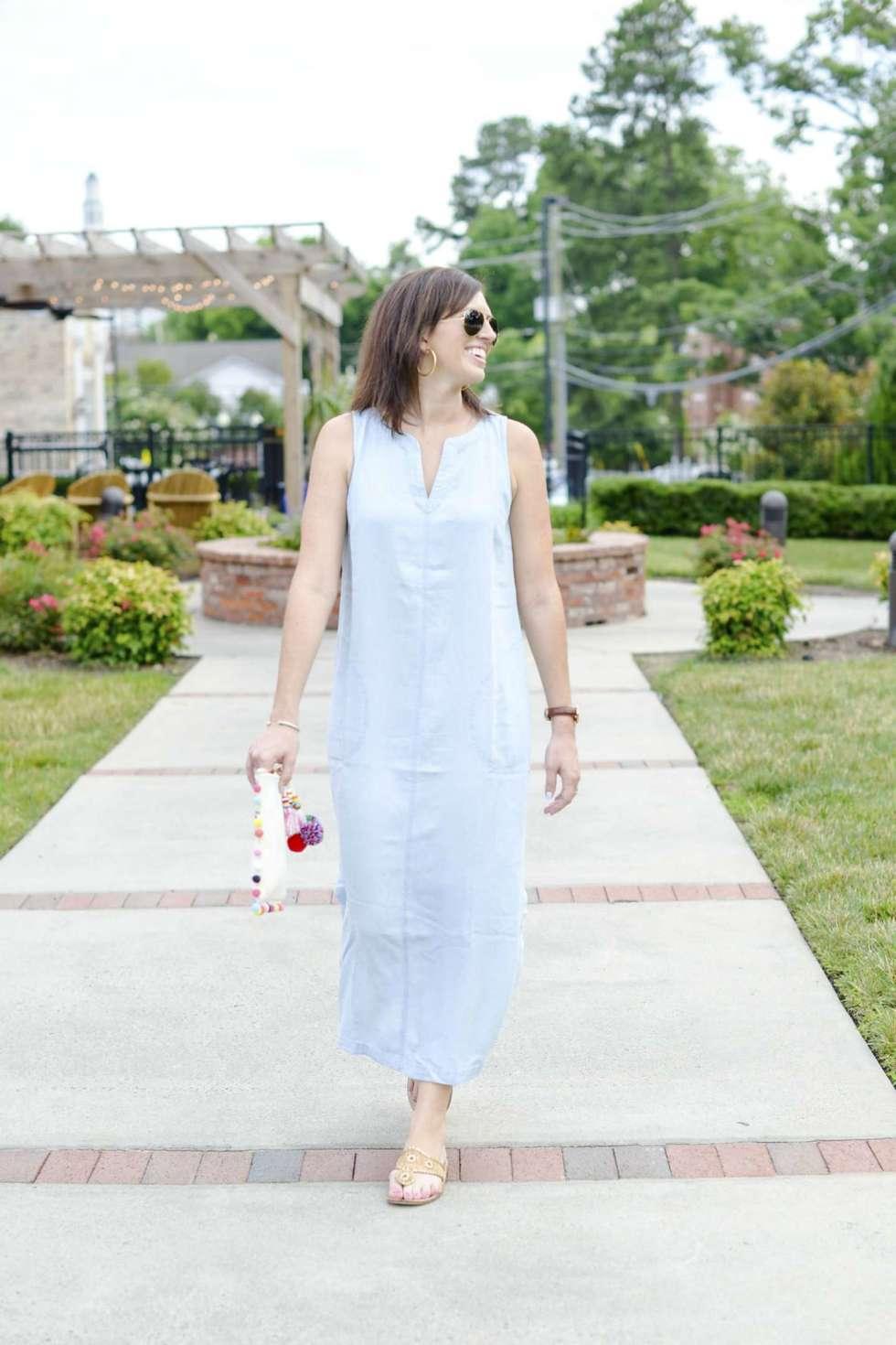 Chambray Maxi Dress + a Tassel Clutch - @mbg0112 - I'm Fixin' To