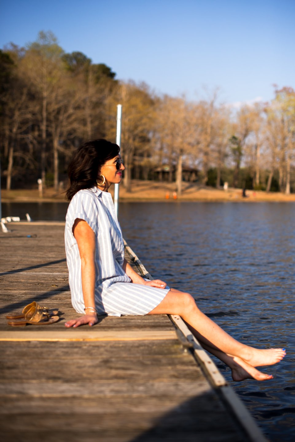 Casual Spring Outfits featured by top US fashion blog I'm Fixin' To; Image of a woman wearing J. Crew Factory Linen Dress, David Yurman Bangle, Sheila Fajl Hoops, Ray-Ban Polarized Aviators and Jack Rogers Sandals